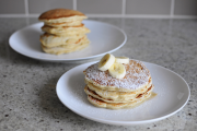 Thumbnail image for Simple Banana Pancakes