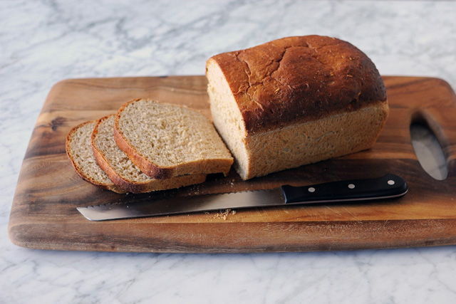 Post image for Honey Oatmeal Sandwich Bread