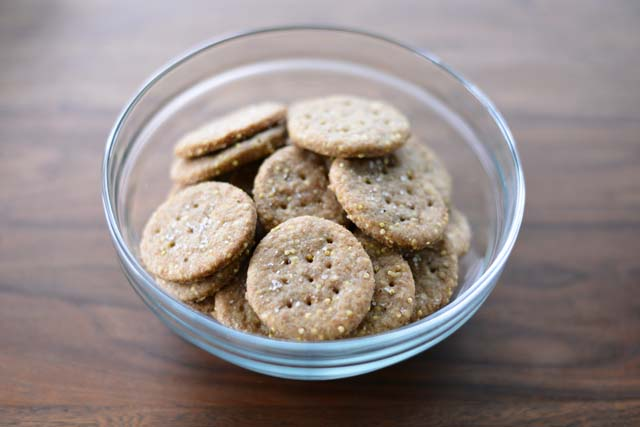 Post image for Homemade Wheat Crackers